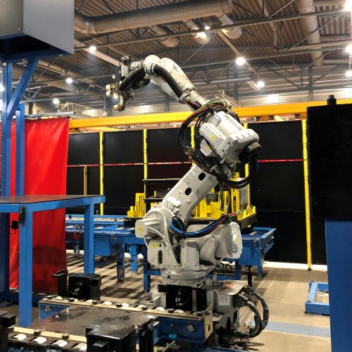 A new automatic multi-robot cell is introduced for harvester head frame welding in 2018.